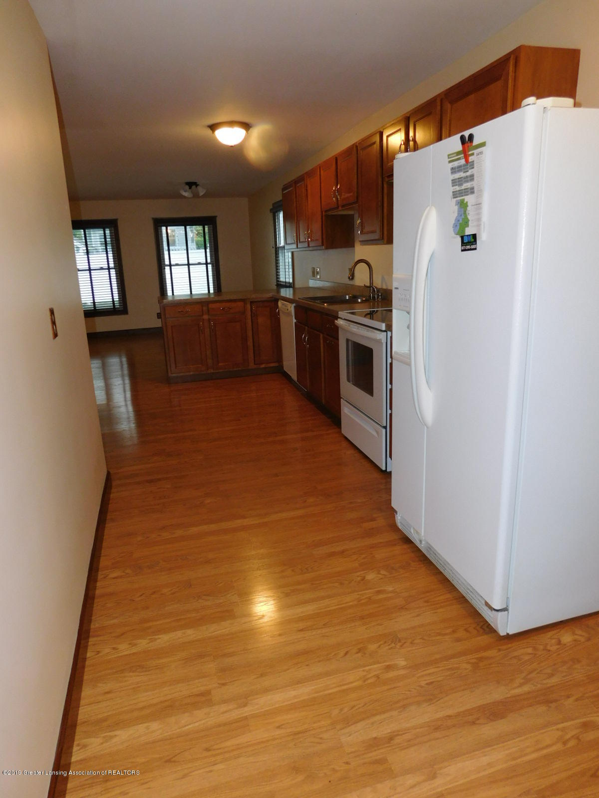 725 Merrill Ave - KITCHEN - 19