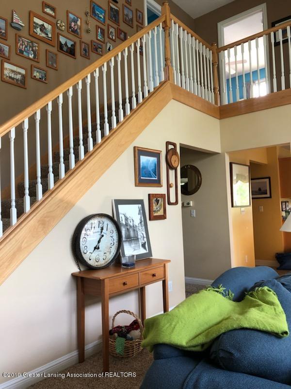 7387 Mallow Ln - stairway - 40
