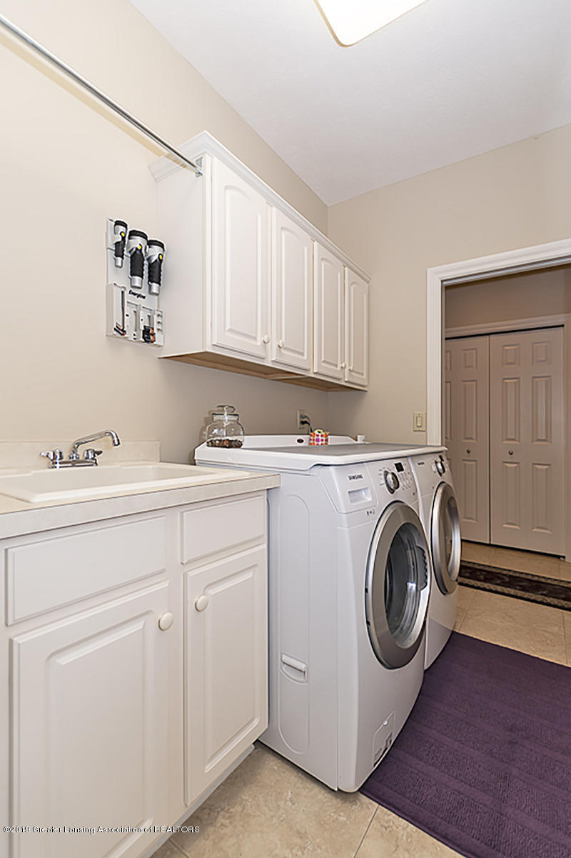 6235 Pine Hollow Dr - 23g 1st floor laundry - 28