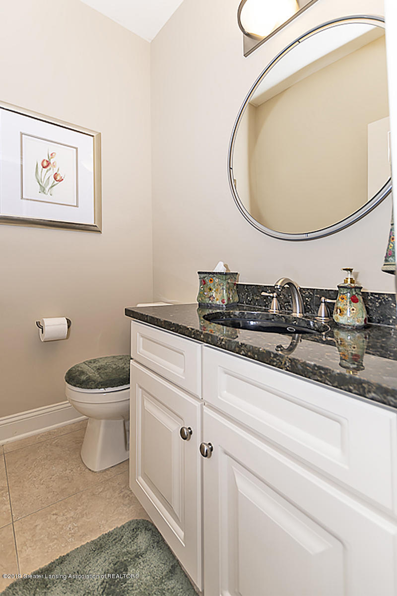 6235 Pine Hollow Dr - 23g half bath main floor - 30