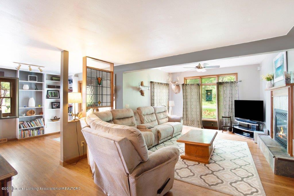 4375 N Williamston Rd - Living - 6