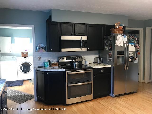 1013 E Broadway Hwy - Kitchen - 6