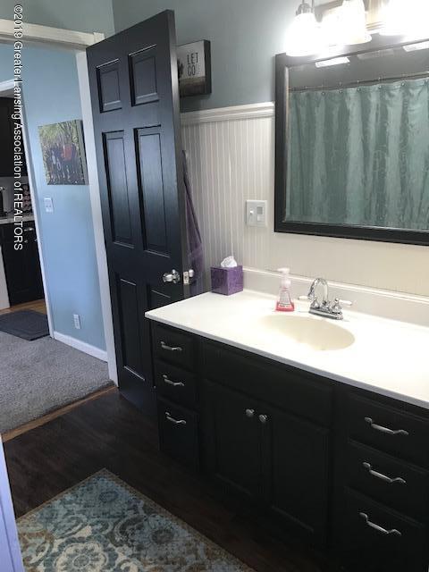 1013 E Broadway Hwy - Bathroom - 7