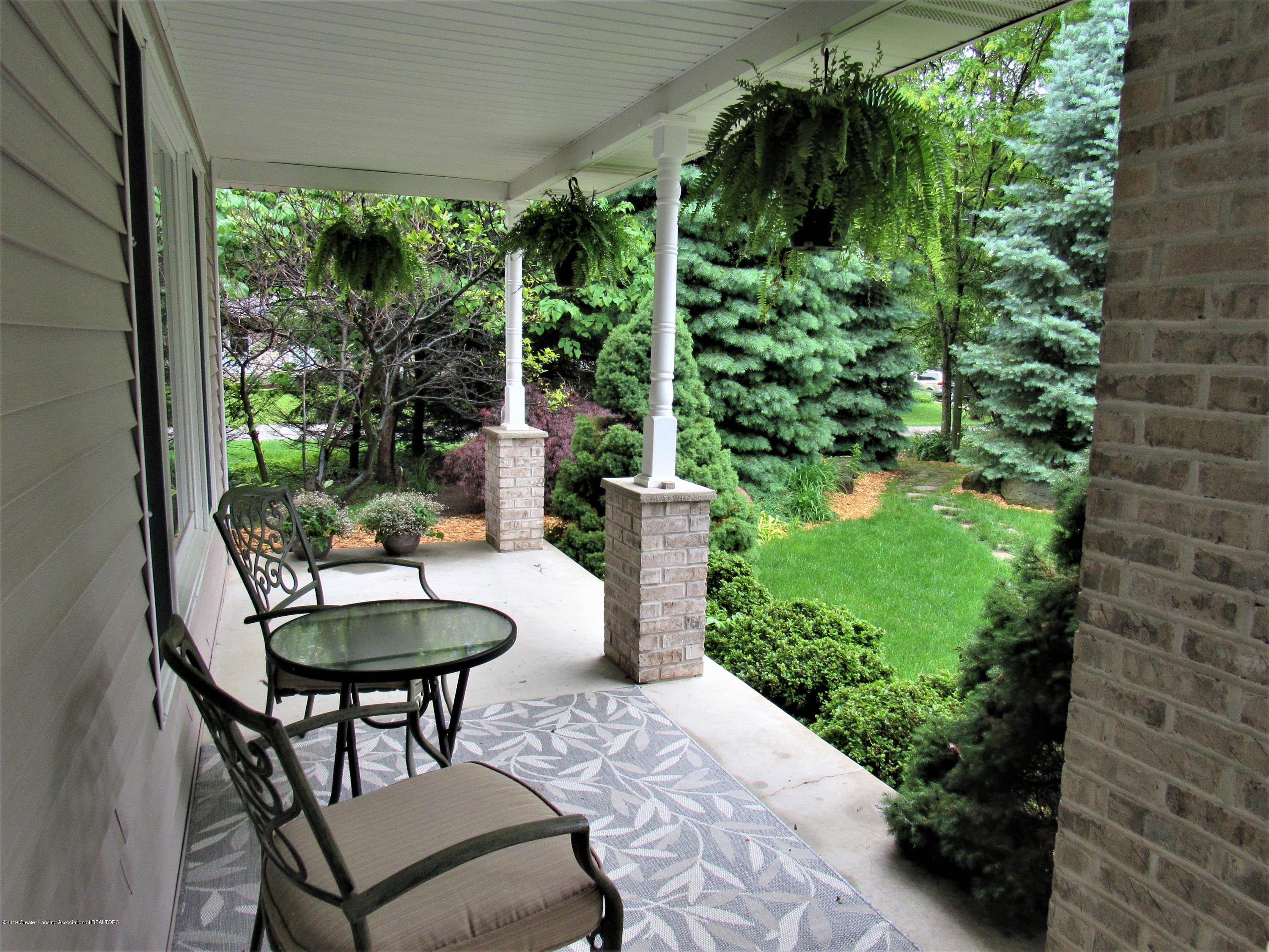6309 Porter Ave - Front Porch - 5