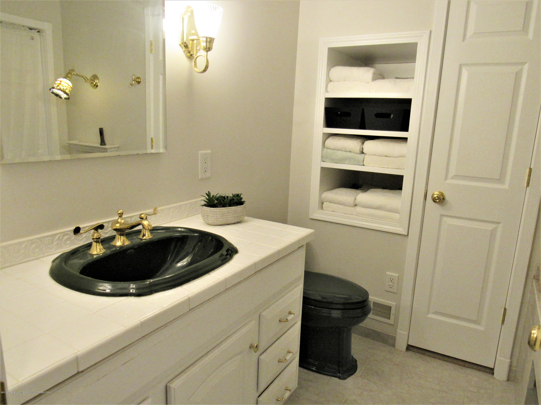 6309 Porter Ave - 2nd Floor Full Bath - 21