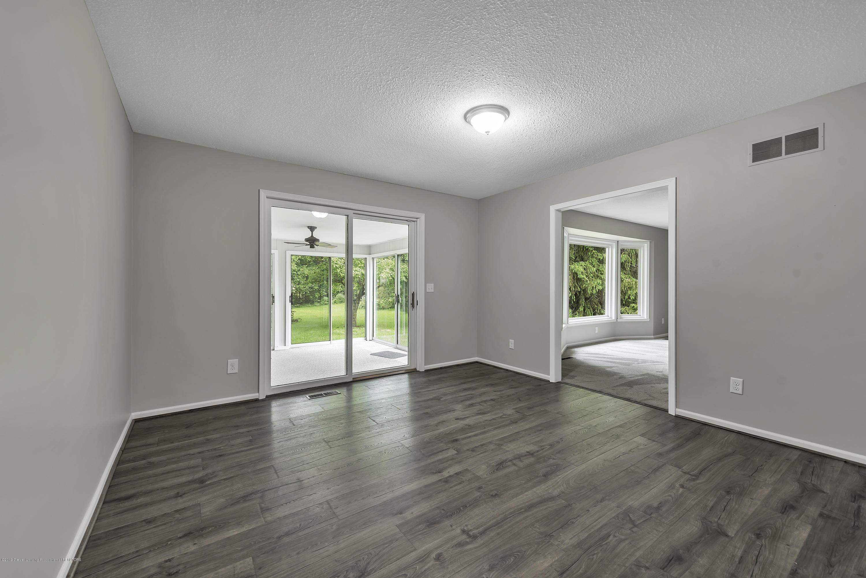 7936 Woodbury Rd - 7936-Woodbury-Laingsburg-MI-windowstill- - 12