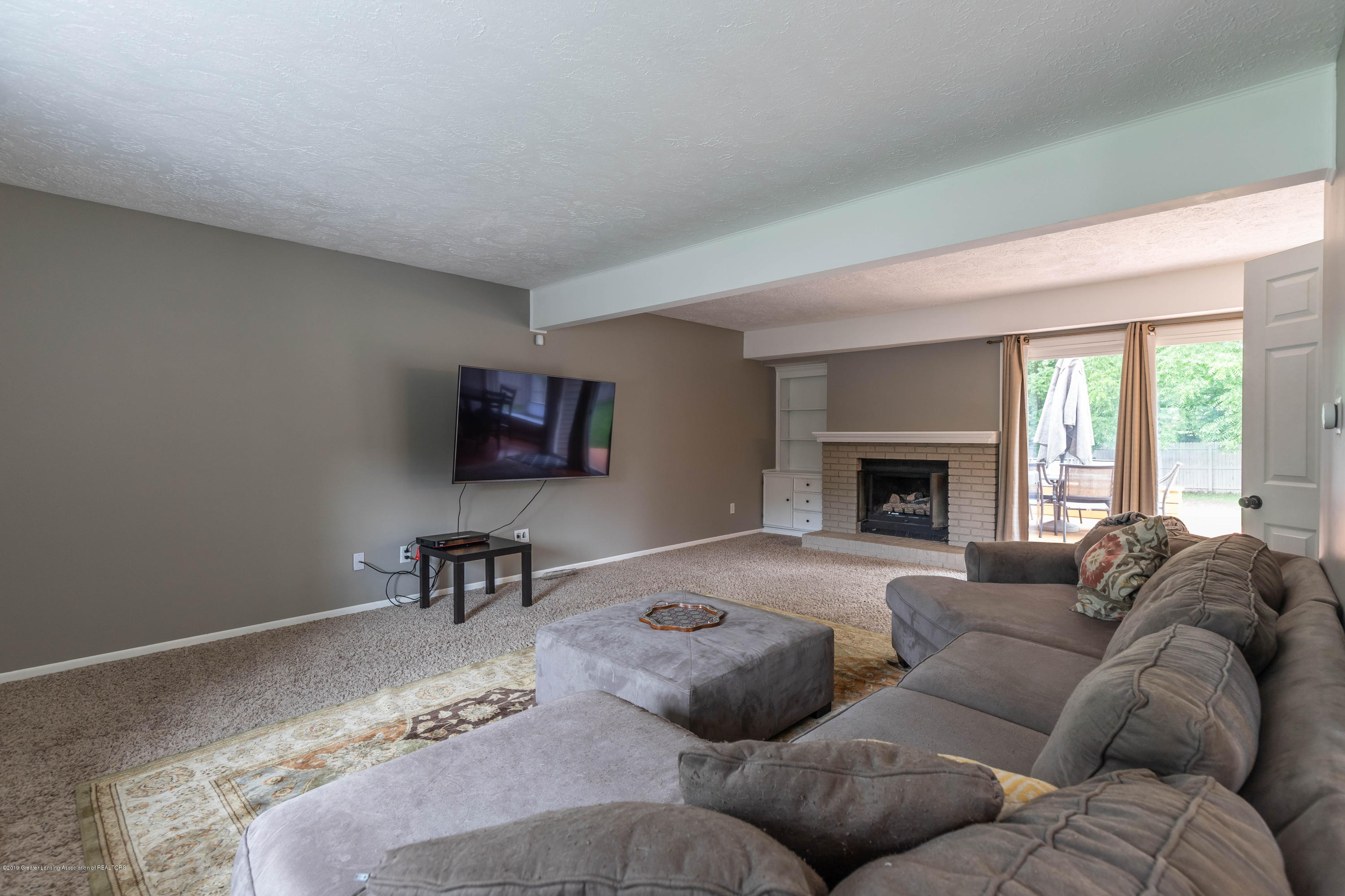 2497 Graystone Dr - 4. A Living Room - 5