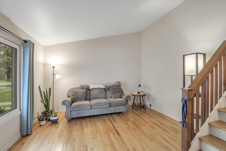 4418 Lowcroft Ave - 4418-Lowcroft-Lansing-MI-windowstill-8 - 5