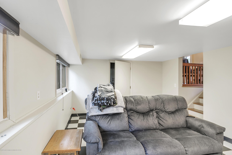 4418 Lowcroft Ave - 4418-Lowcroft-Lansing-MI-windowstill-24 - 21
