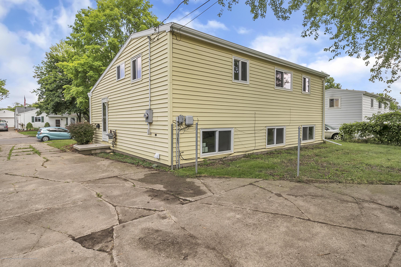 4418 Lowcroft Ave - 4418-Lowcroft-Lansing-MI-windowstill-27 - 24