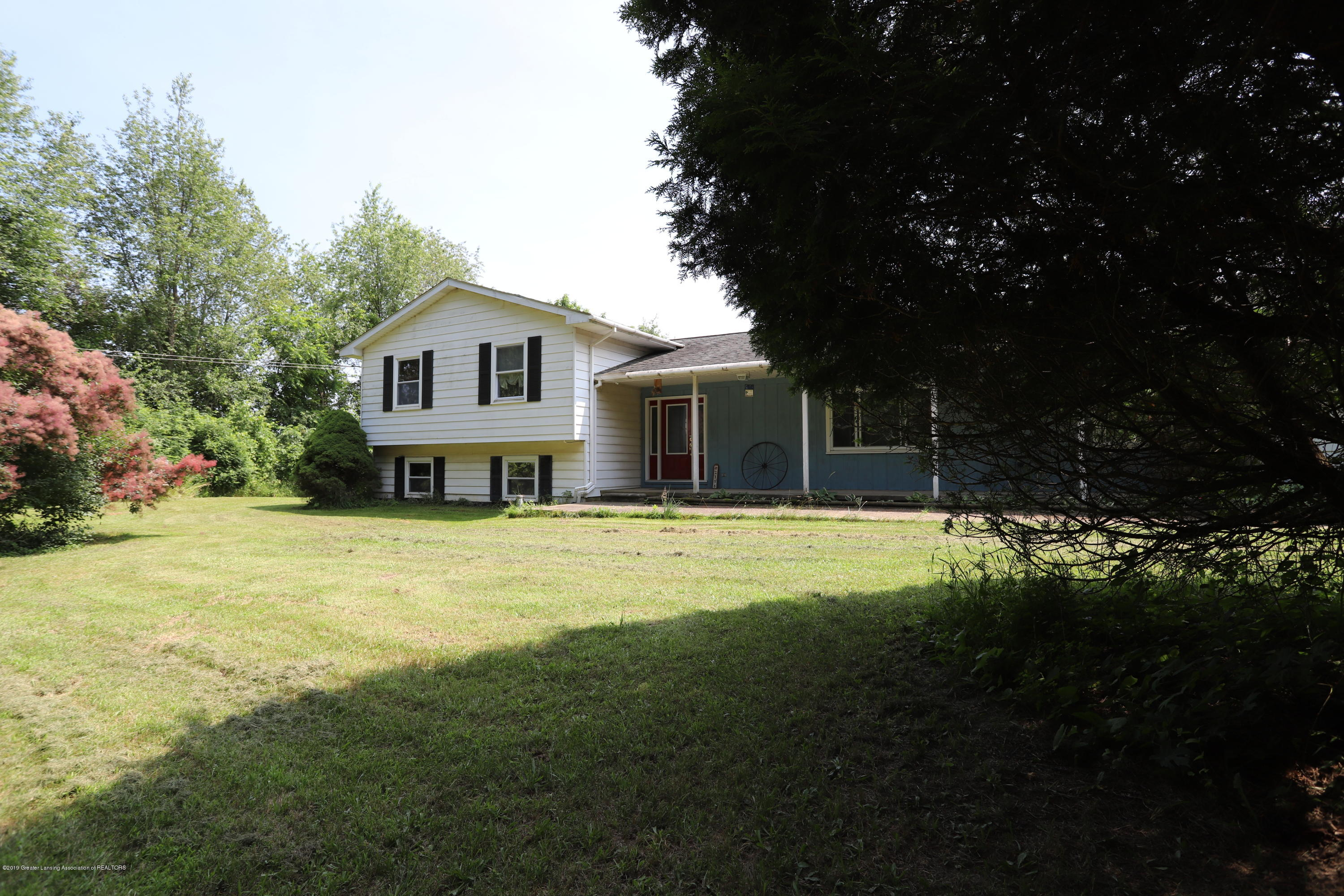 2158 Dennis Rd - Front of Home - 31