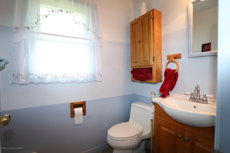 2158 Dennis Rd - Half Bath - 12