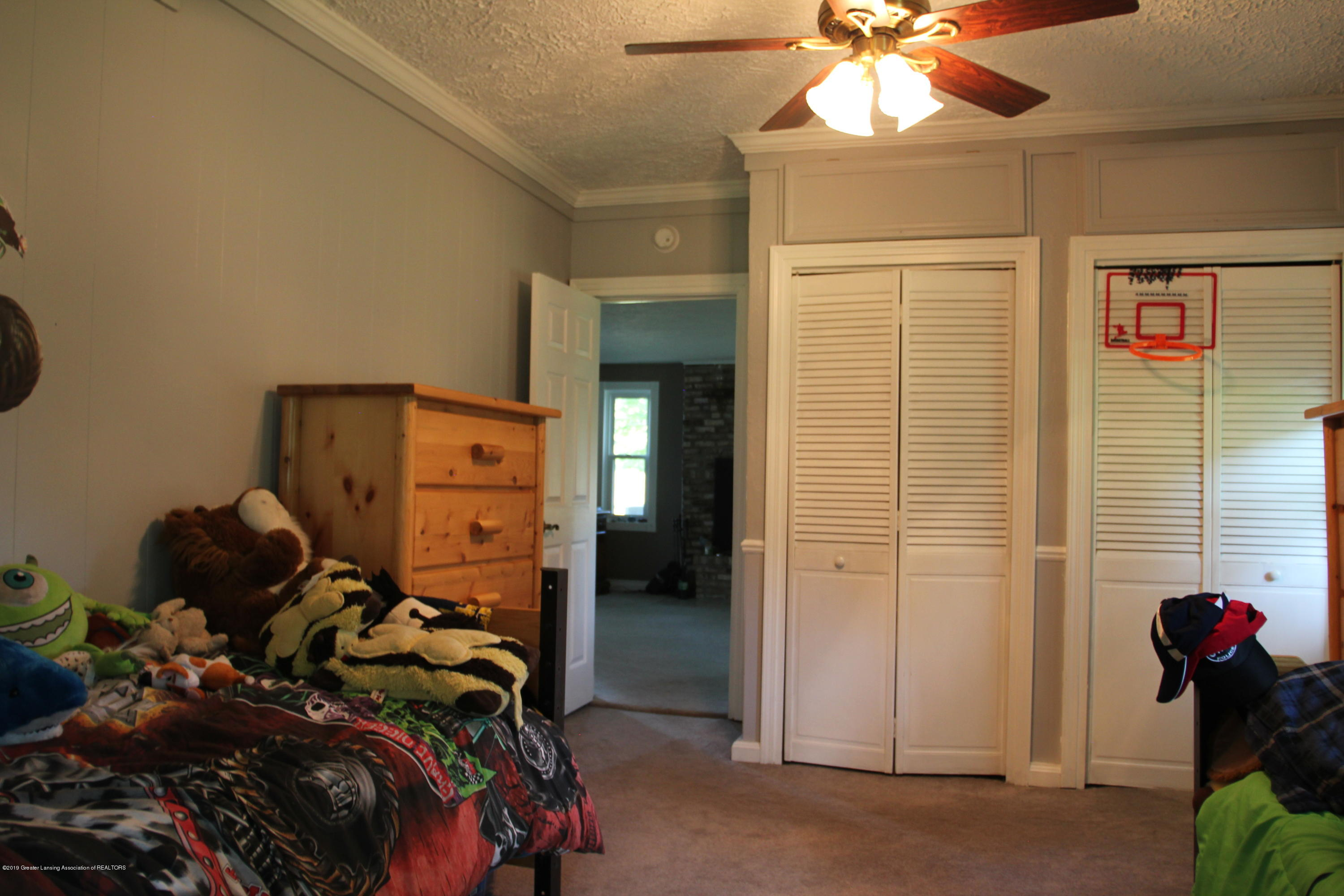 4801 Round Lake Rd - bedroom 1 - 15