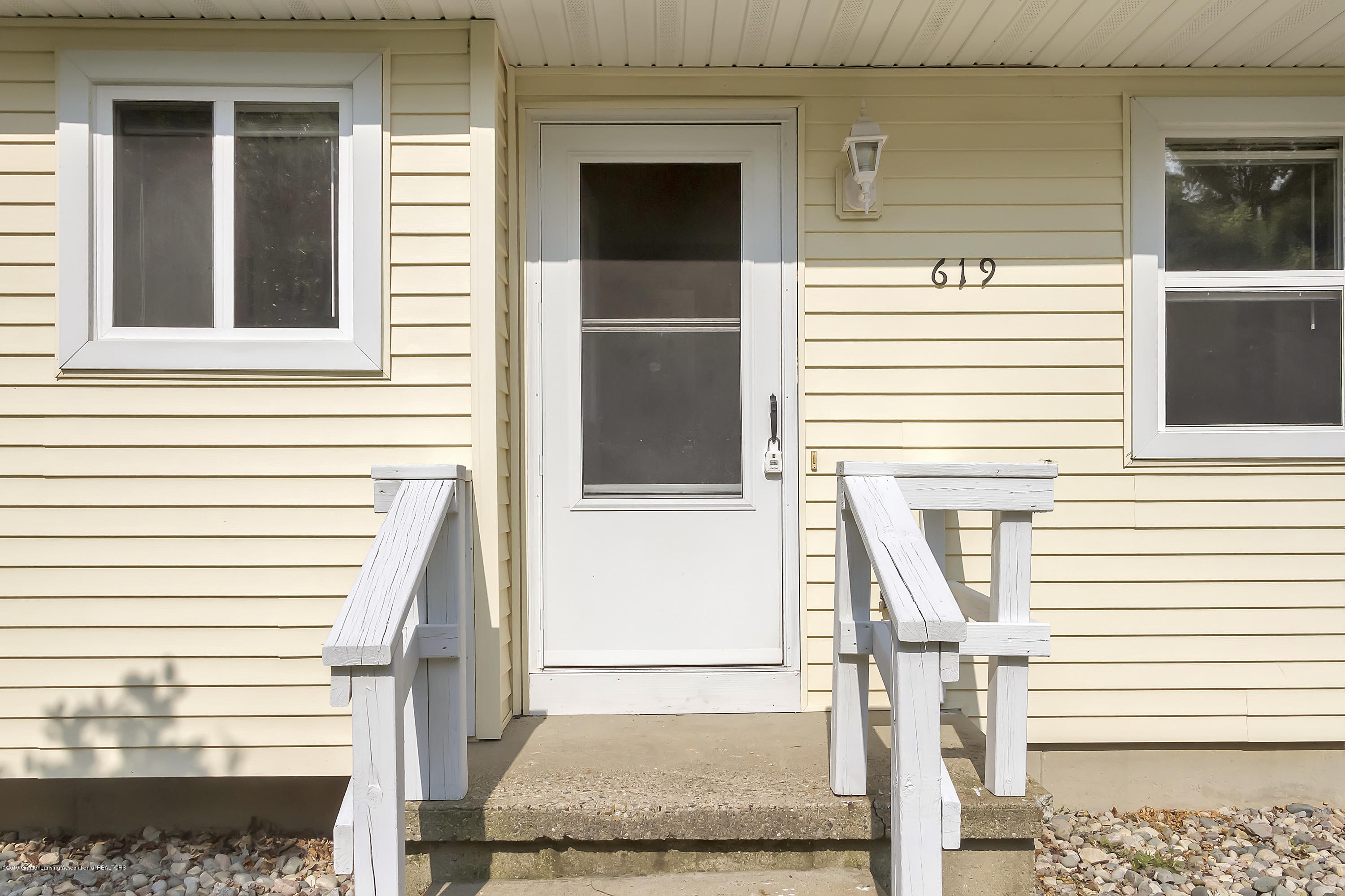619 Forest St - 619-Forest-St-Charlotte-Mi-48113-windows - 5