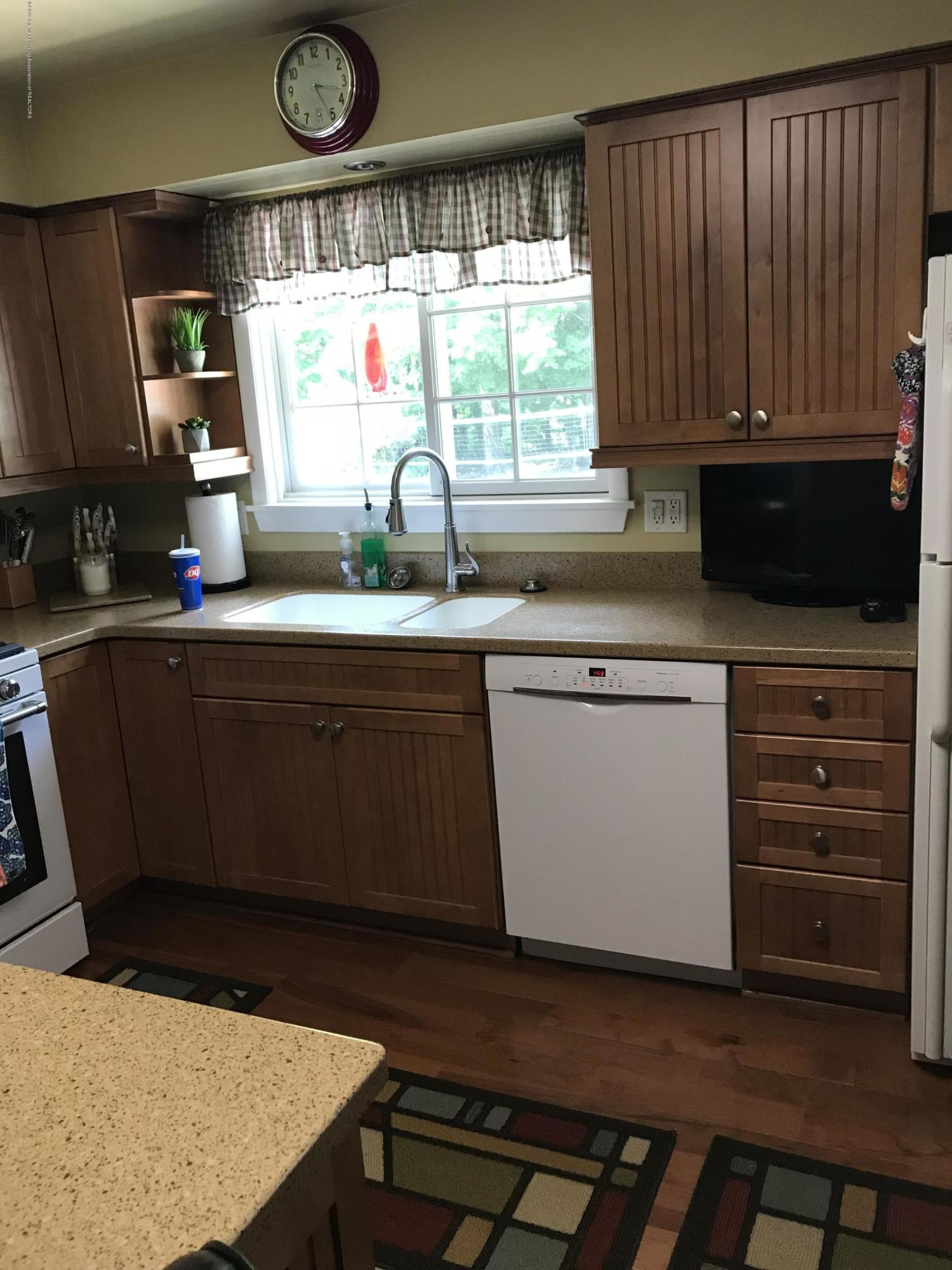 7205 Rock Bridge Rd - kitchen - 43