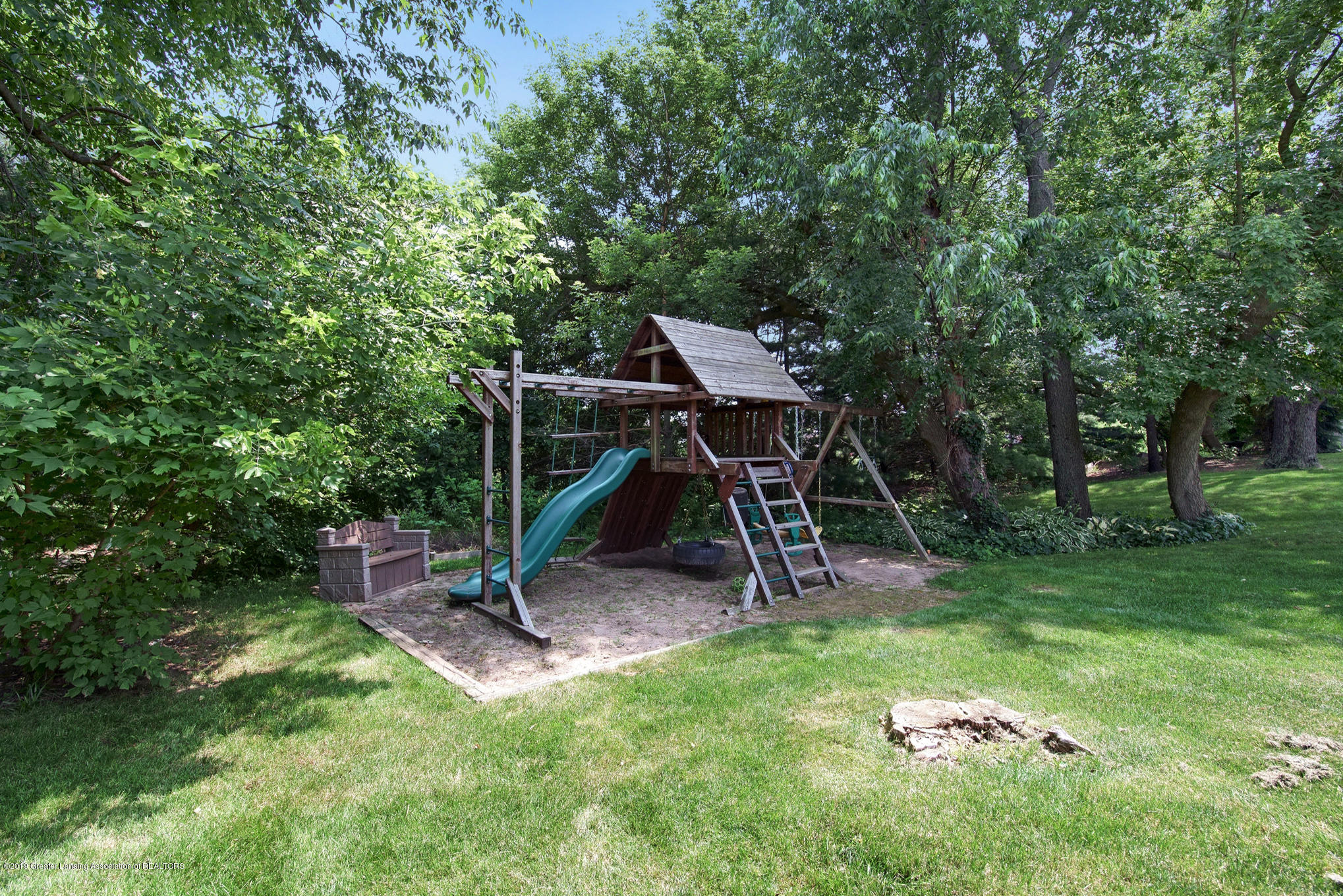 11801 Schavey Rd - Play Structure for kids - 46