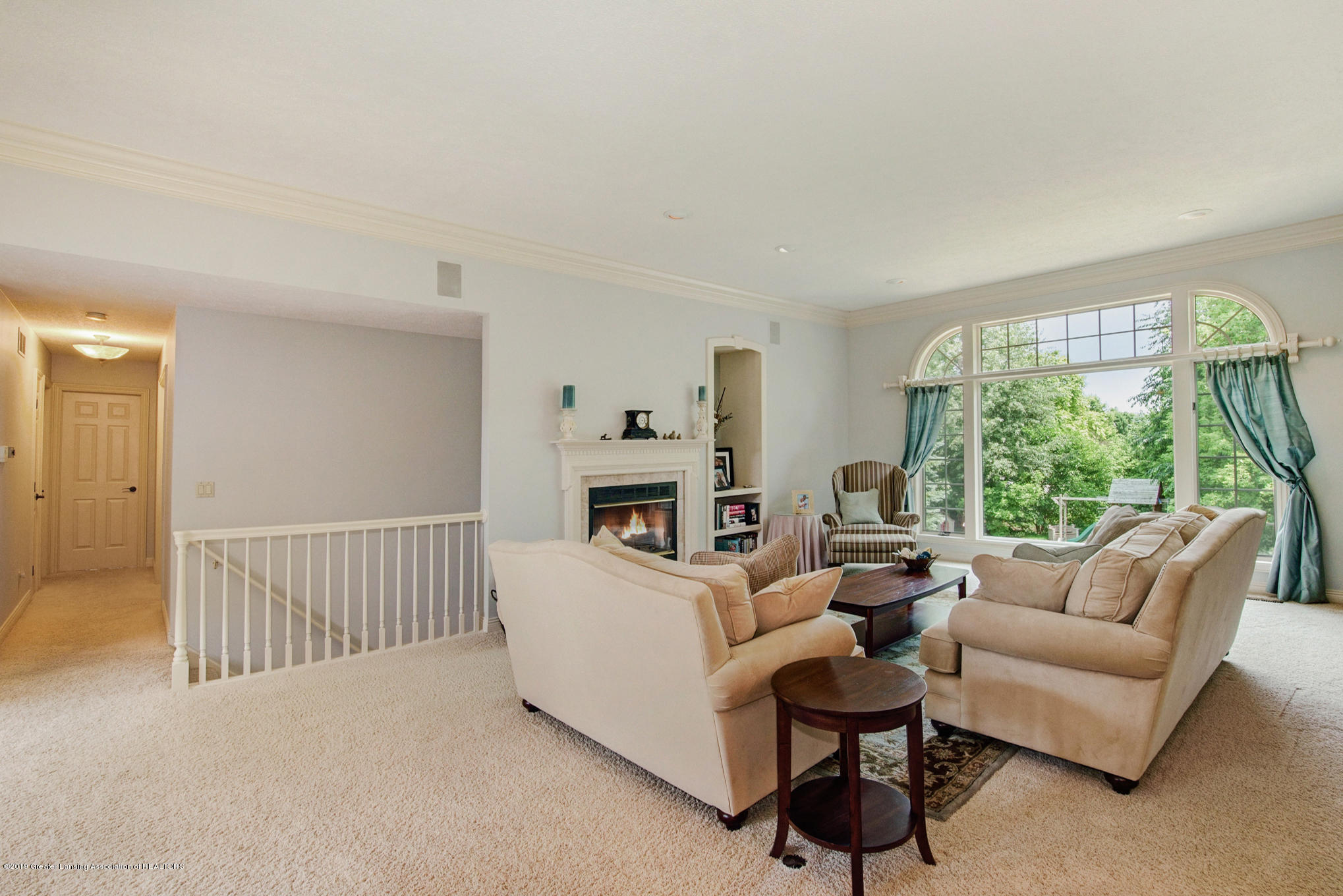 11801 Schavey Rd - Living Room - 7