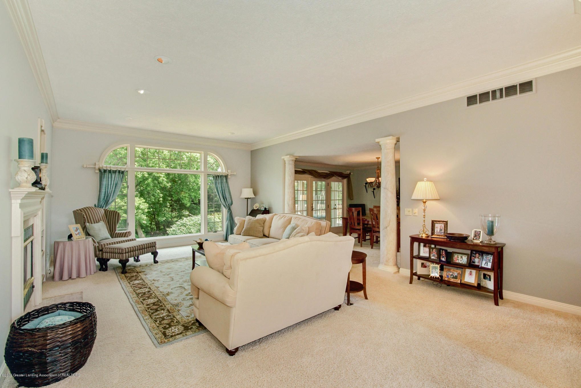 11801 Schavey Rd - Living Room - 6