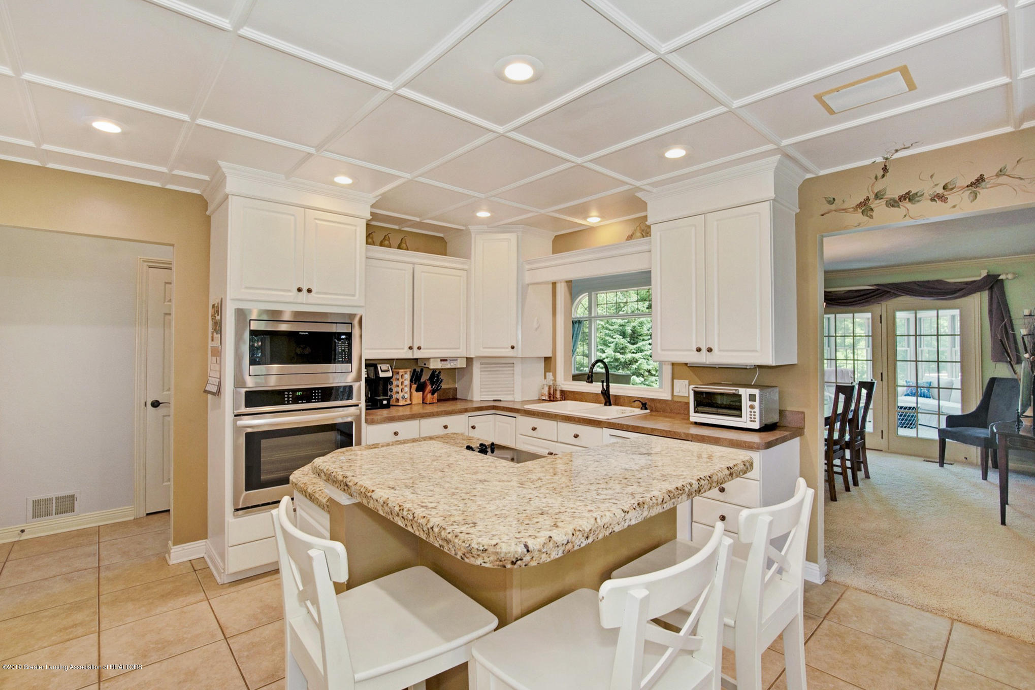 11801 Schavey Rd - Kitchen - 12