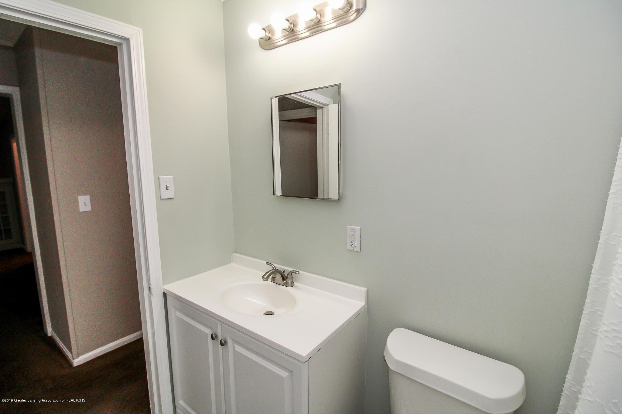 124 Northlawn Ave - 22 First Floor Bathroom 3 - 18