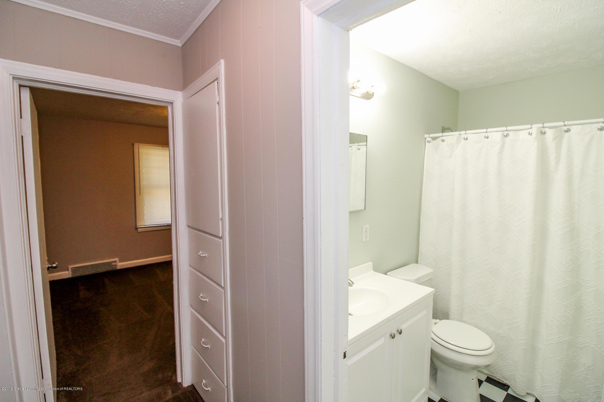 124 Northlawn Ave - 23 First Floor Bathroom 4 - 19