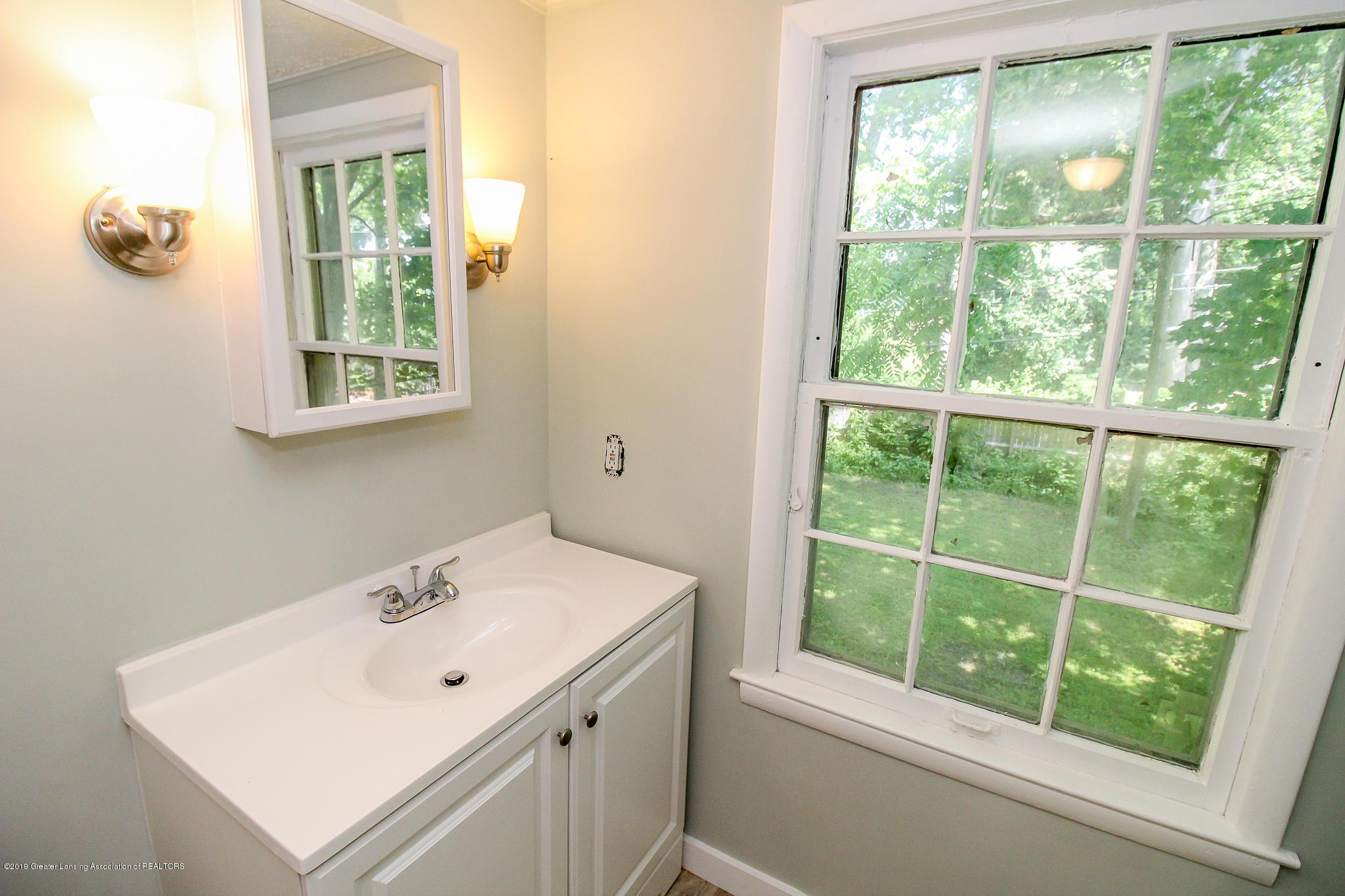 124 Northlawn Ave - 34 Second Floor Bathroom 3 - 27