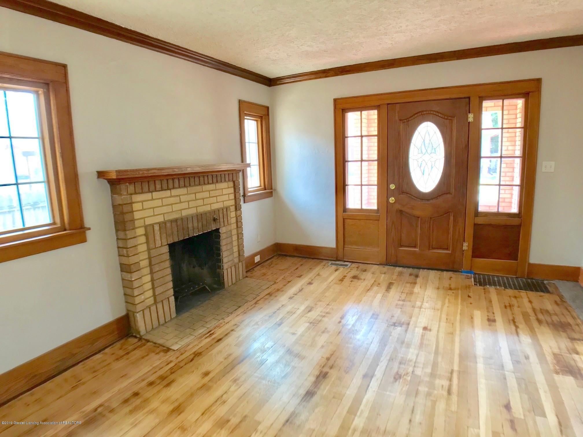 818 Westmoreland Ave - Living Room - 4