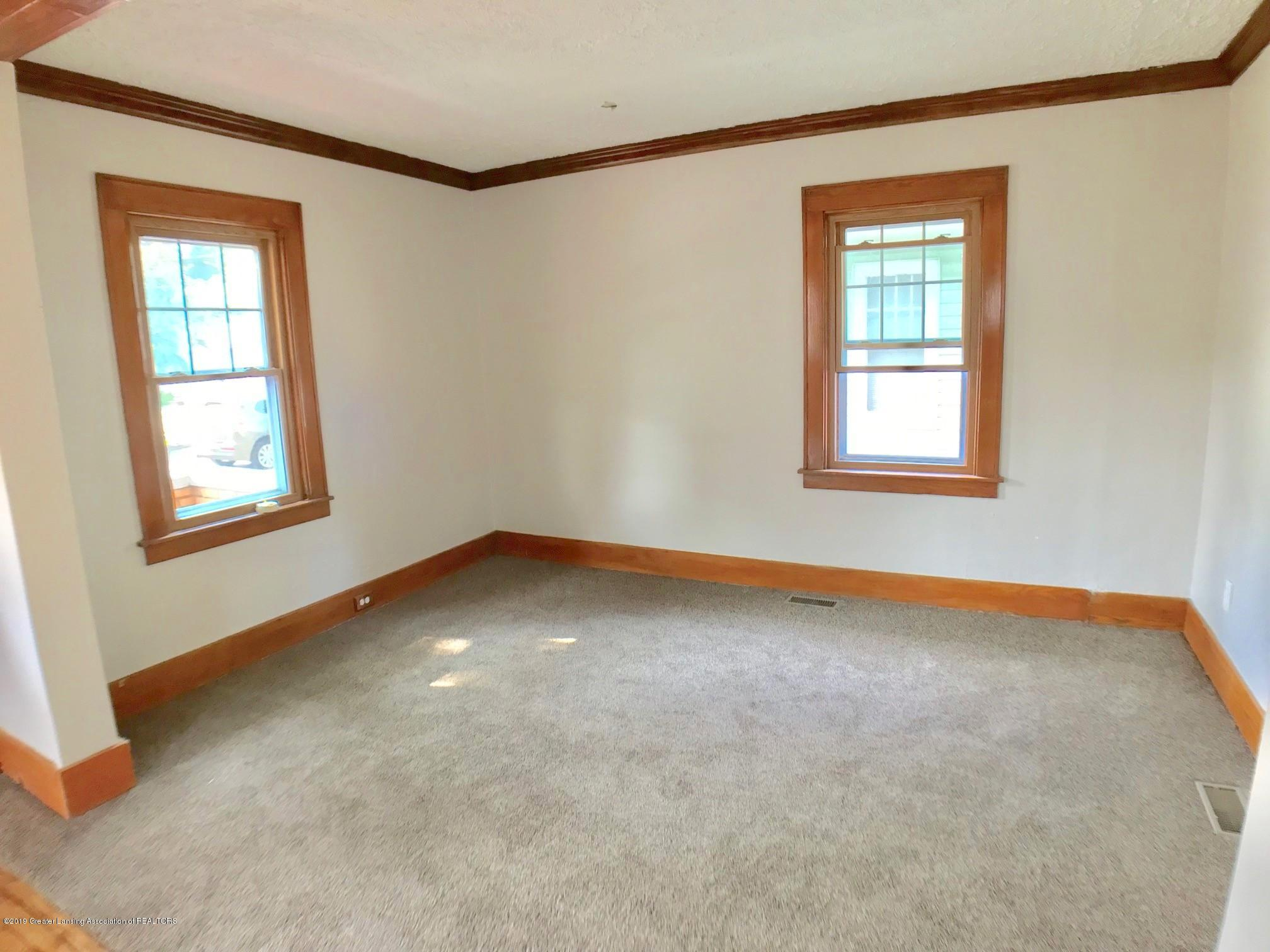 818 Westmoreland Ave - Living Room - 5