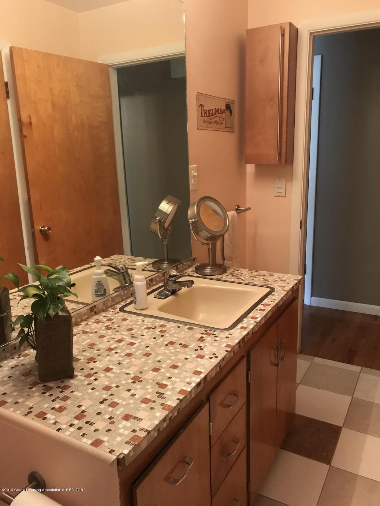 11217 Plains Rd - Full Bath - 11