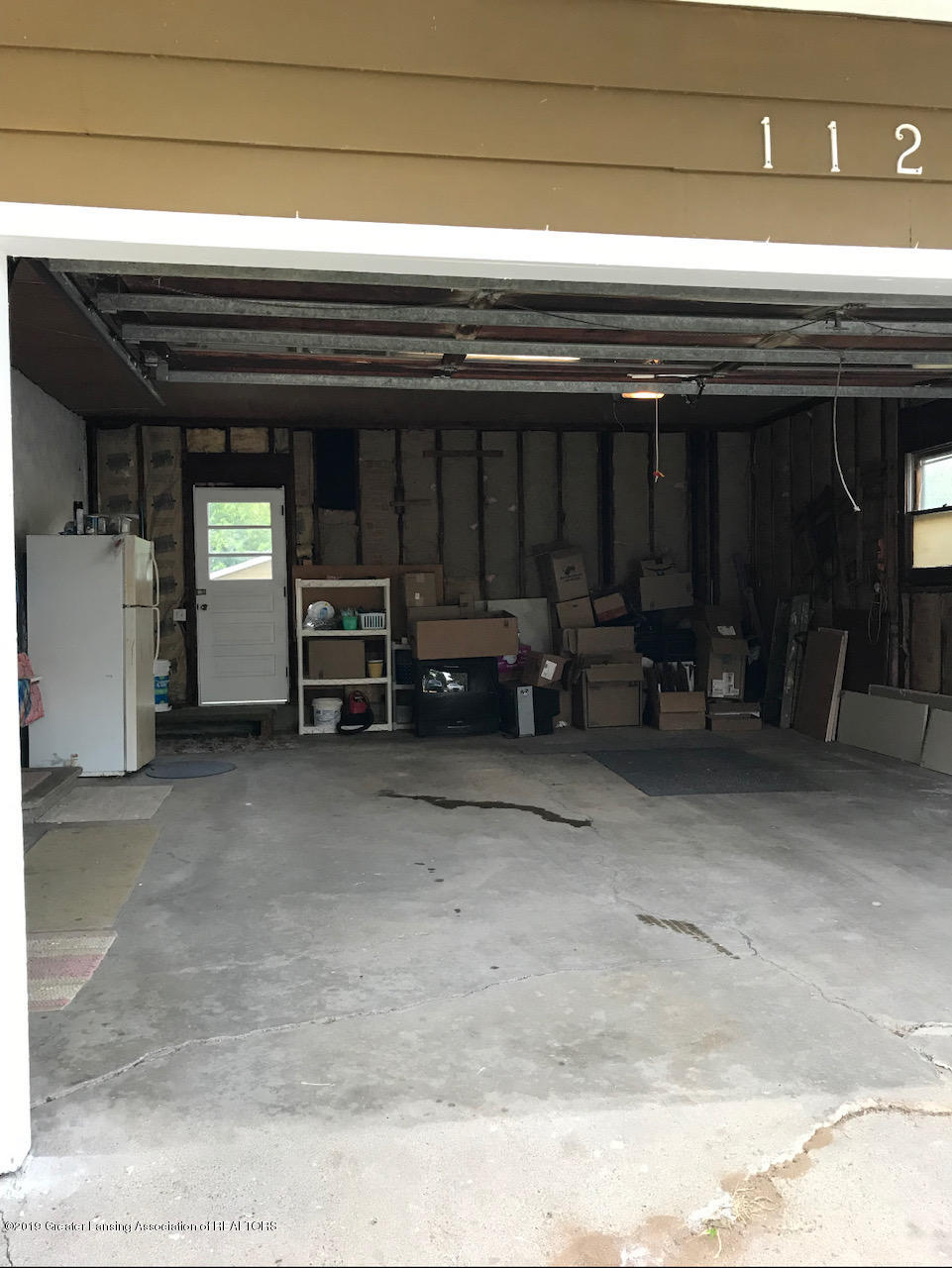 11217 Plains Rd - Attached Garage - 38