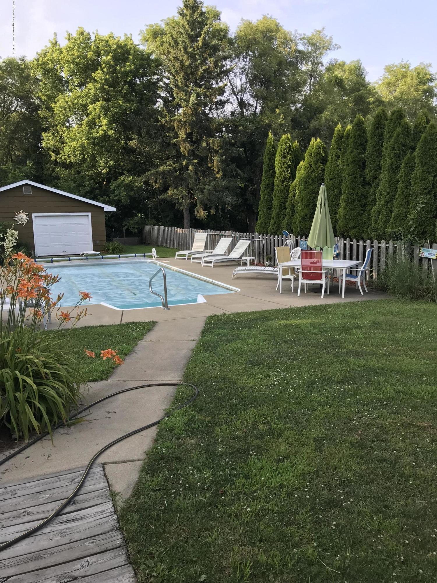 11217 Plains Rd - Pool Area - 25