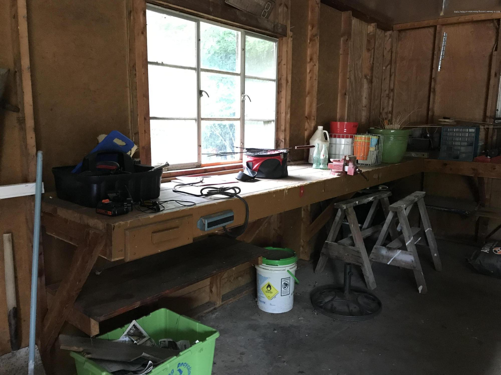 11217 Plains Rd - Detached Garage - 34