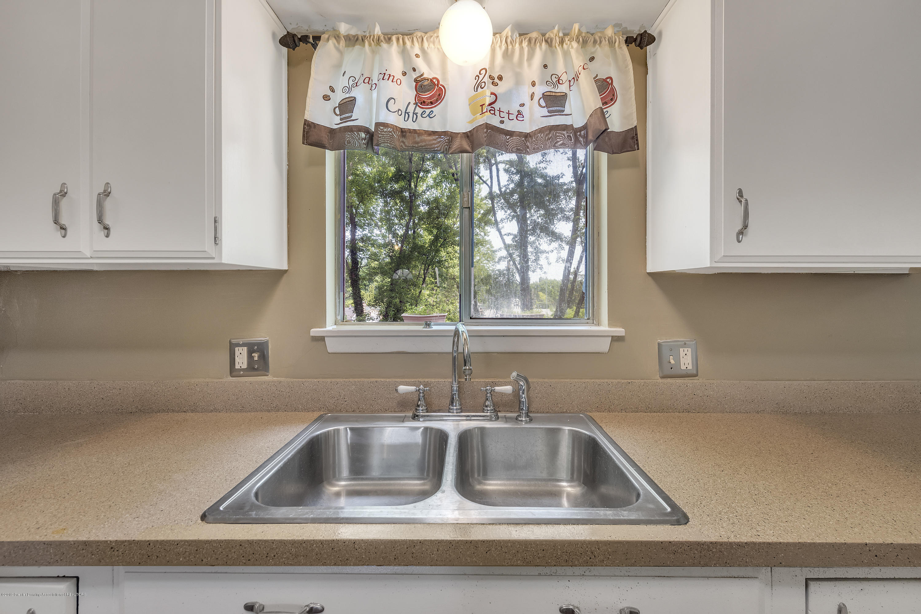 4914 W Willow Hwy - 4914-West-Willow-Street-Lansing-charter - 10