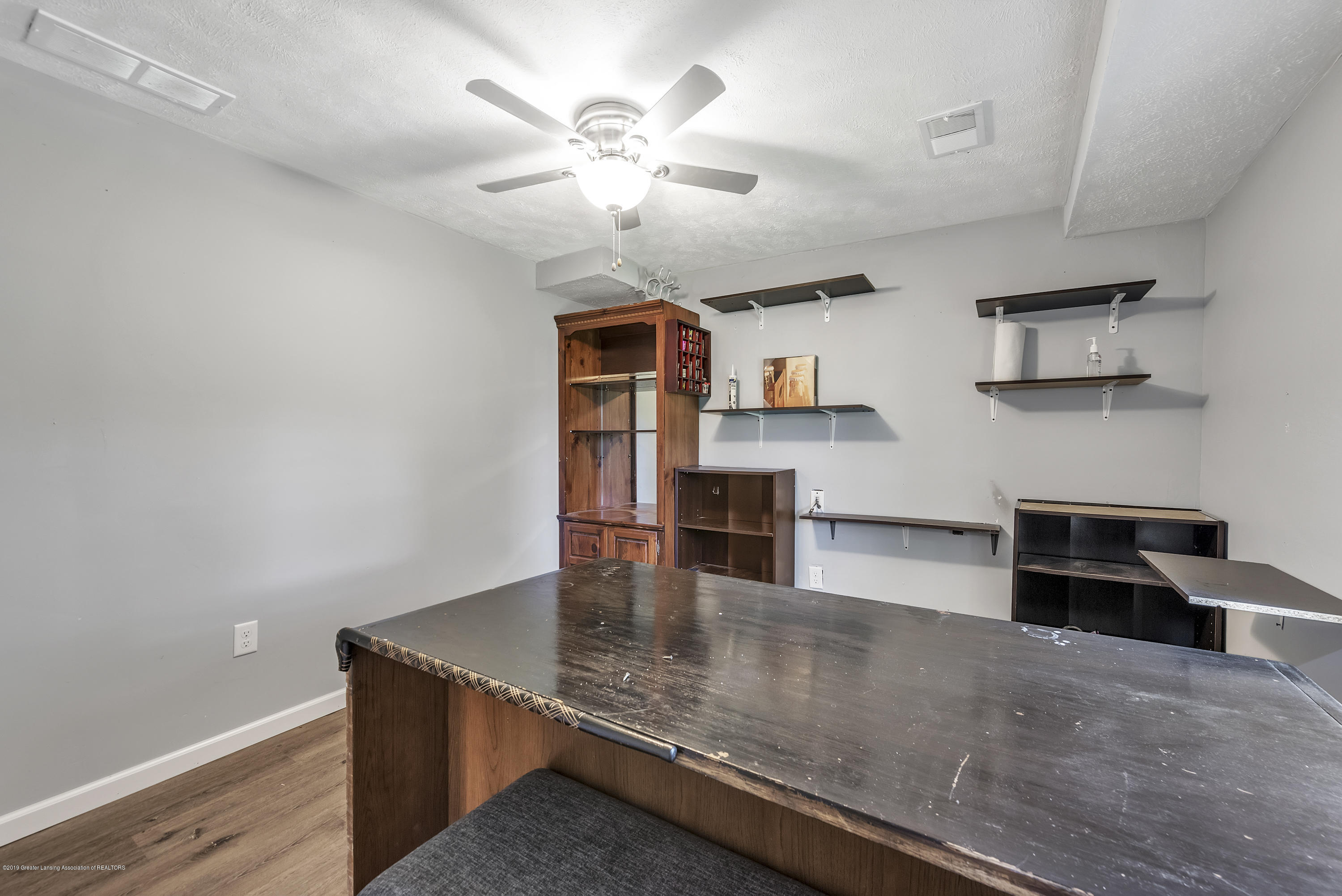 4914 W Willow Hwy - 4914-West-Willow-Street-Lansing-charter - 28