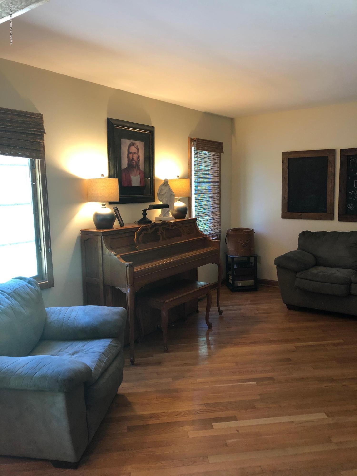 7645 E Howe Rd - Tibbetts Living Room from Dining - 15