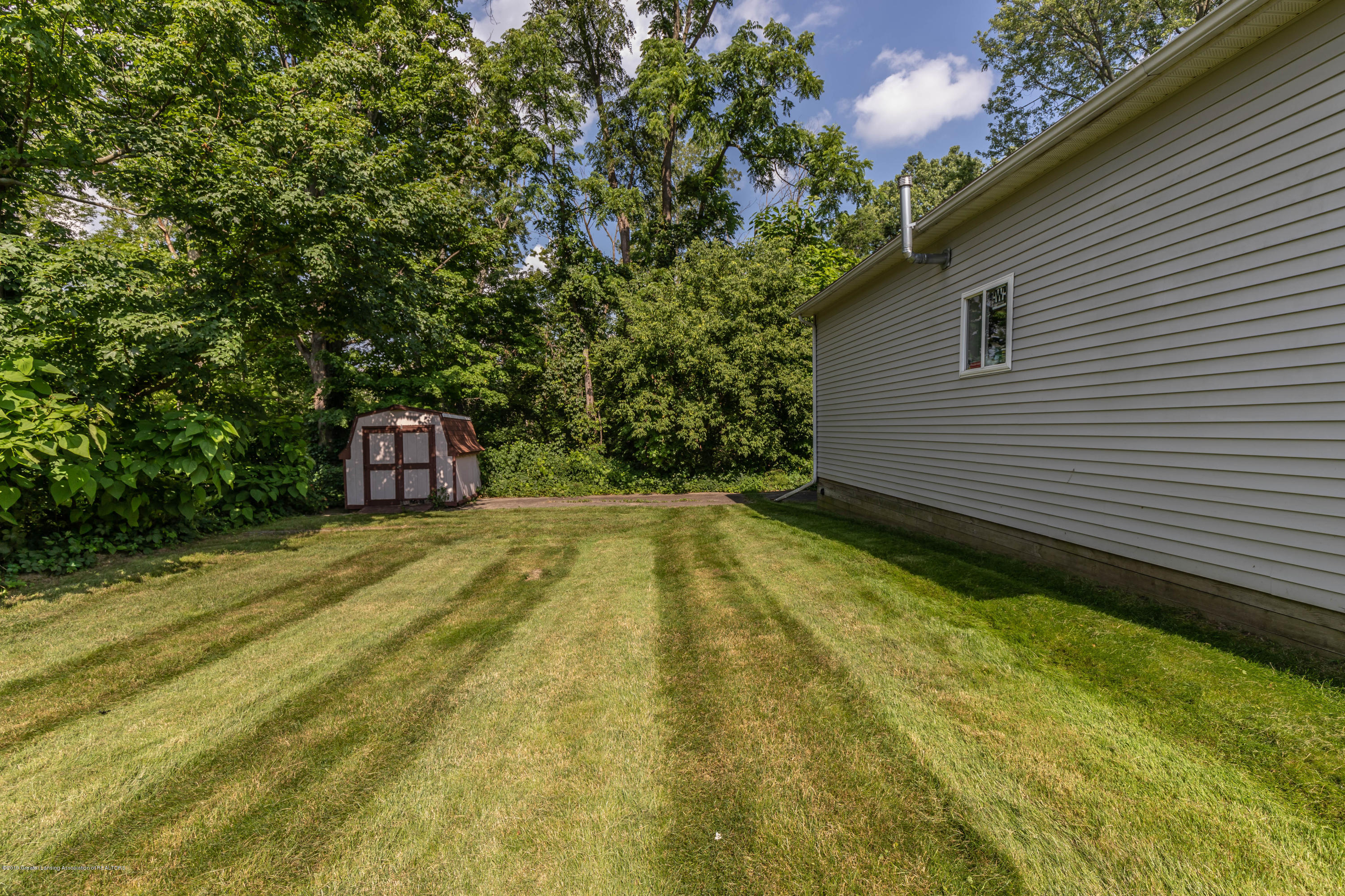 425 S Lansing St - Back Yard - 27
