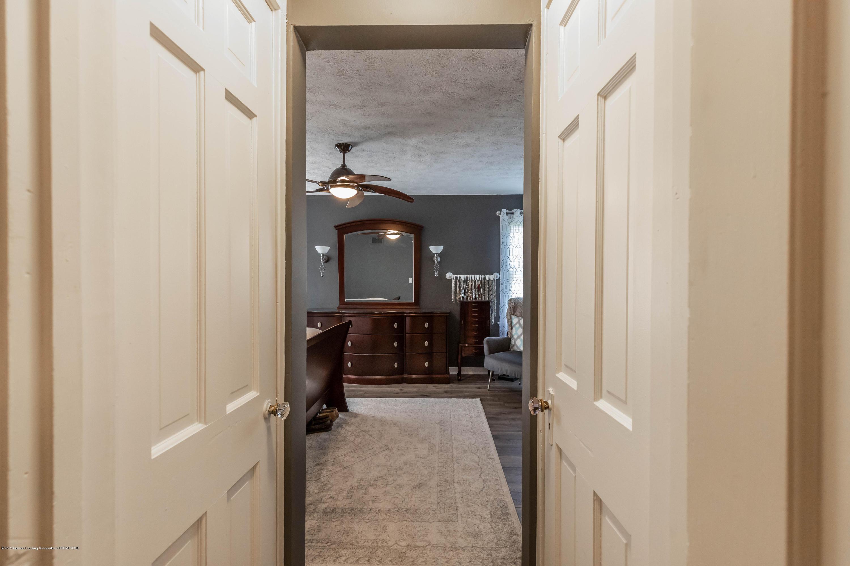 425 S Lansing St - Master Entrance - 13