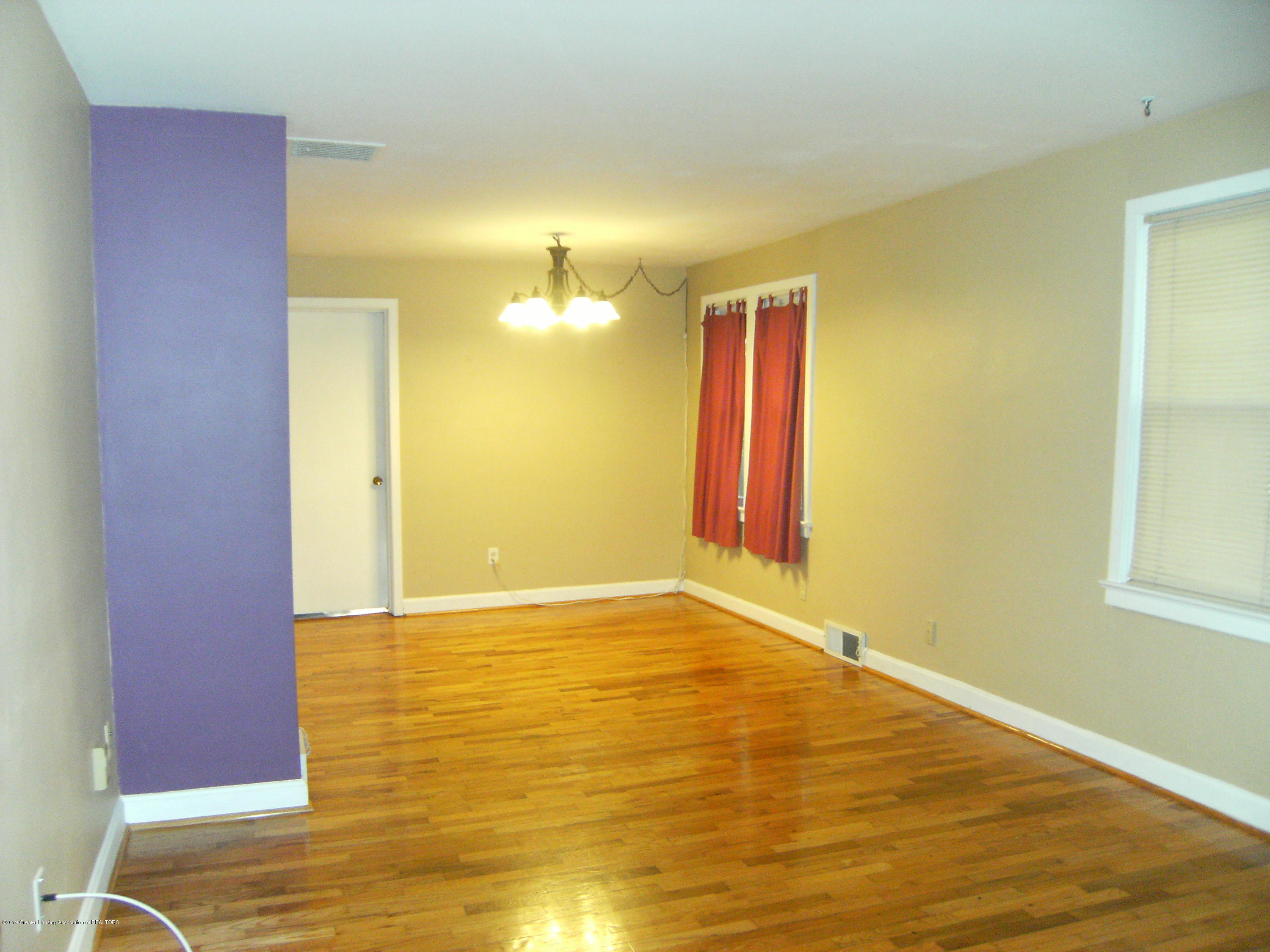 3021 Stabler St - Living room and dining room - 4