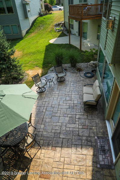 16805 Meadowbrook Dr - Patio - 36