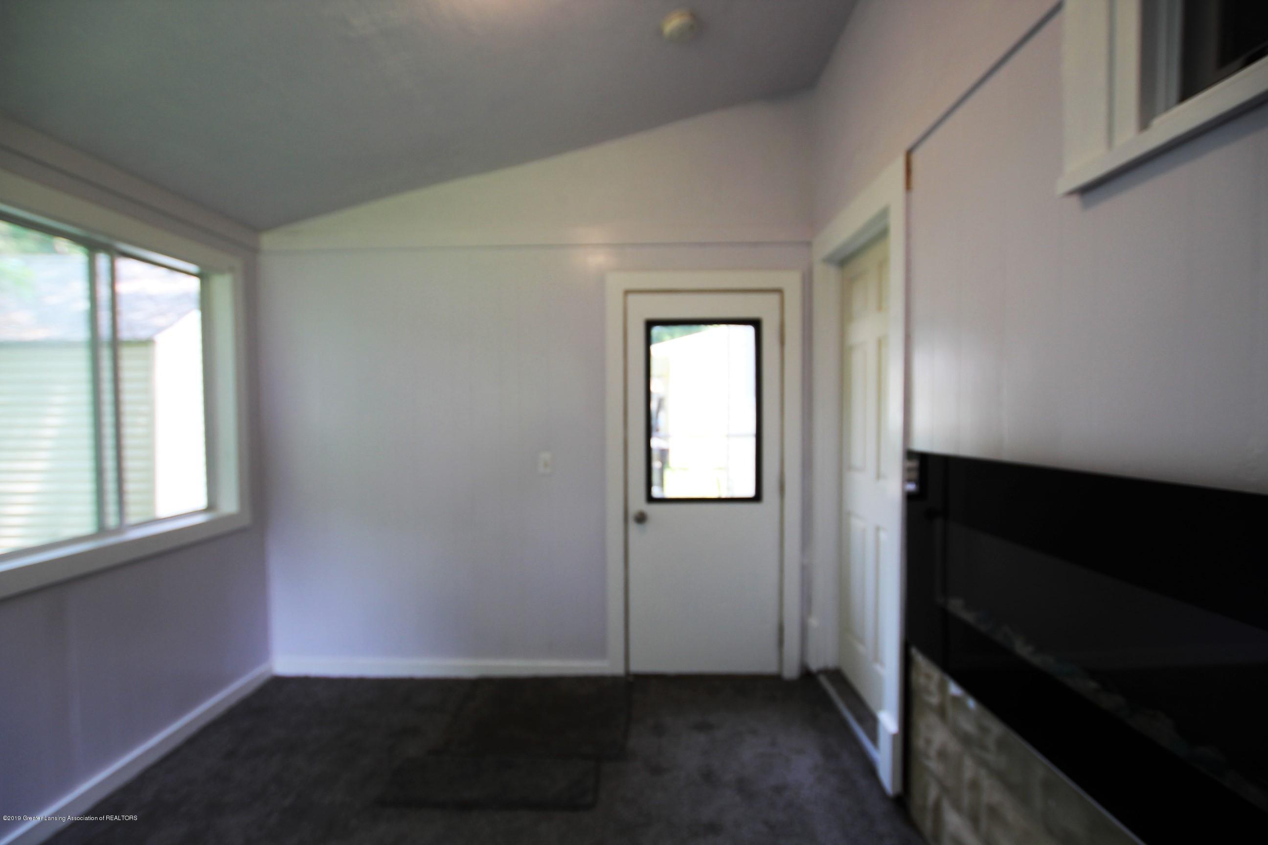 120 Astor Ave - Four Season Room - 24