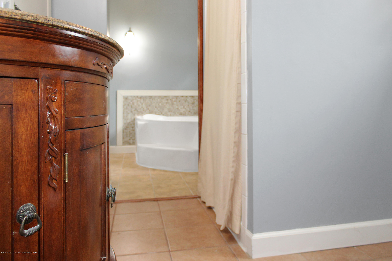 229 E Front St - Bathroom 3 - 8
