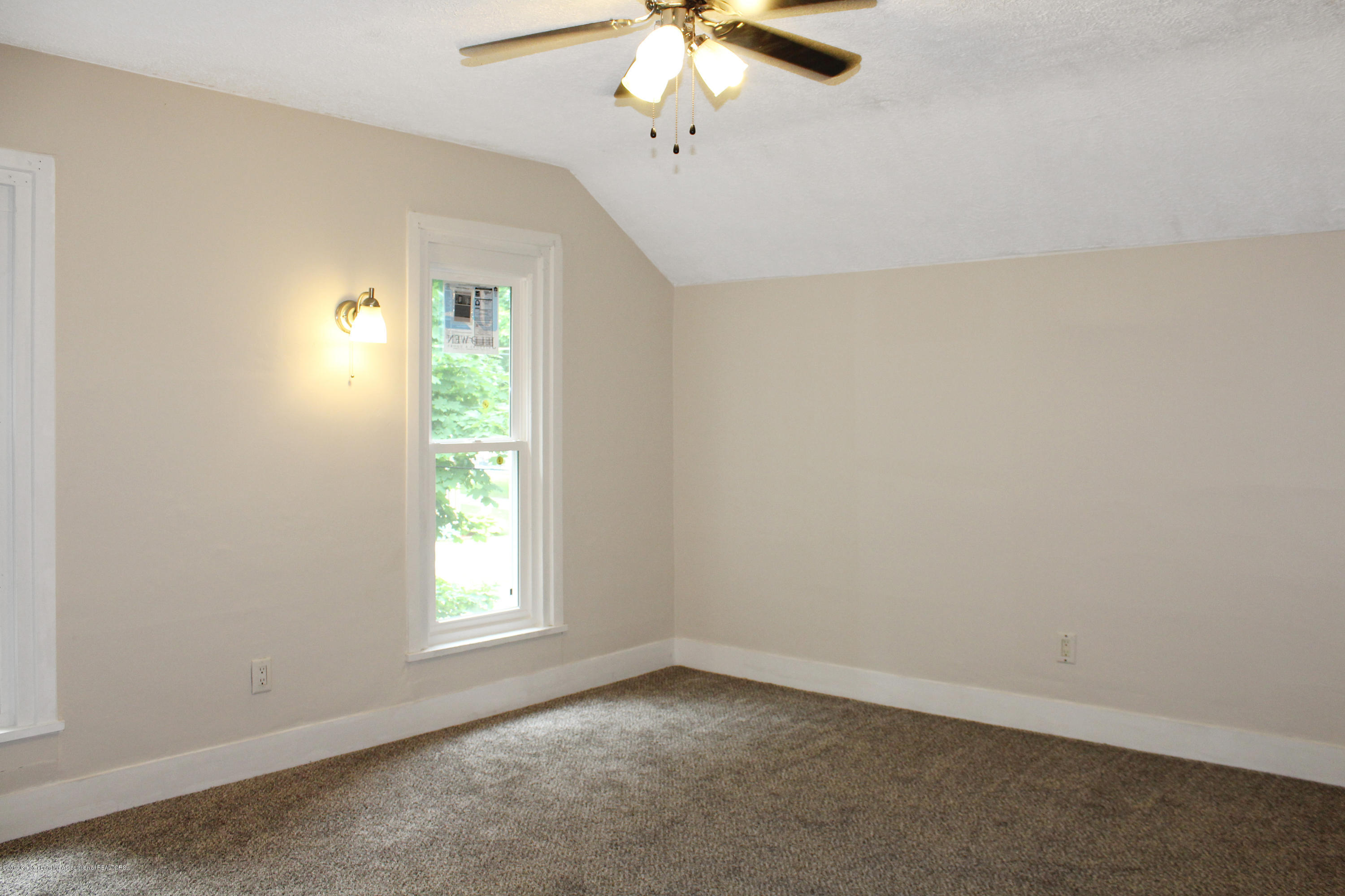 229 E Front St - Bedroom 1 - 18