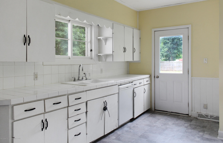 229 E Front St - Kitchen - 5