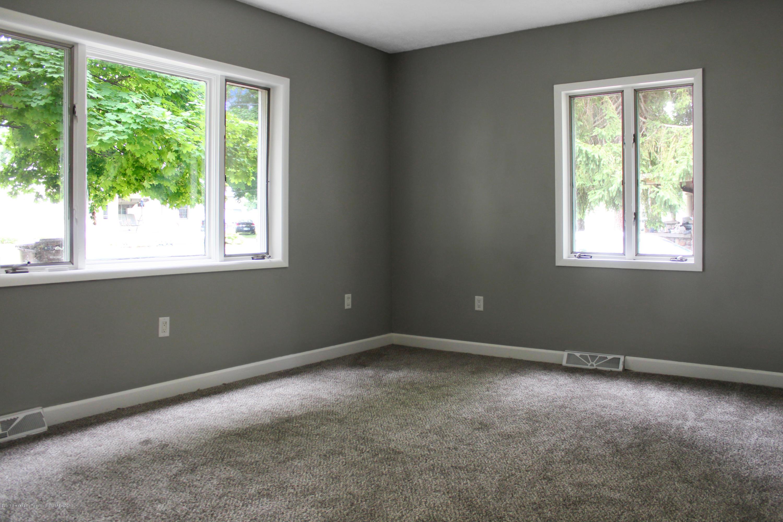 229 E Front St - Living Room - 11