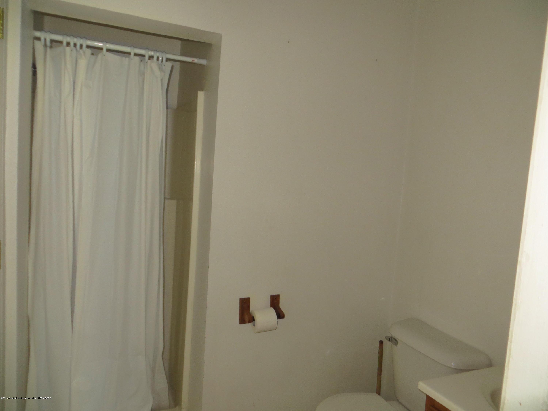 608 W Lapeer St - bath 1 - 8