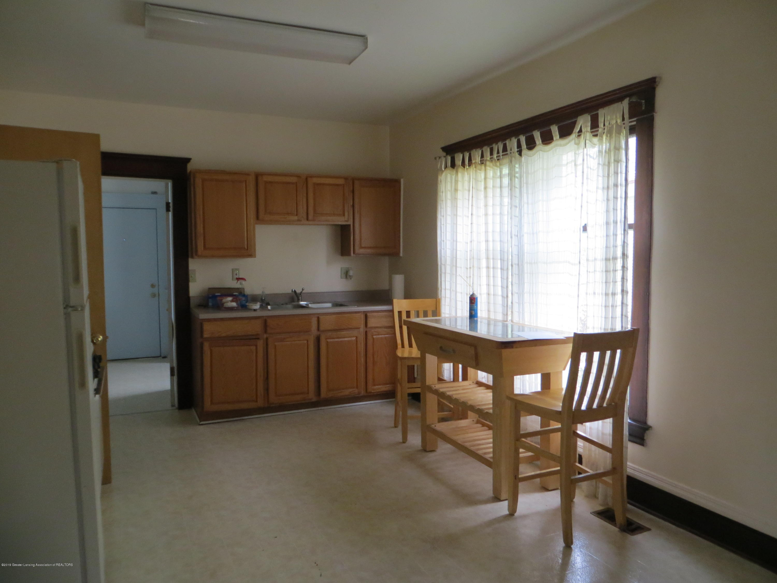 608 W Lapeer St - kitchen - 6