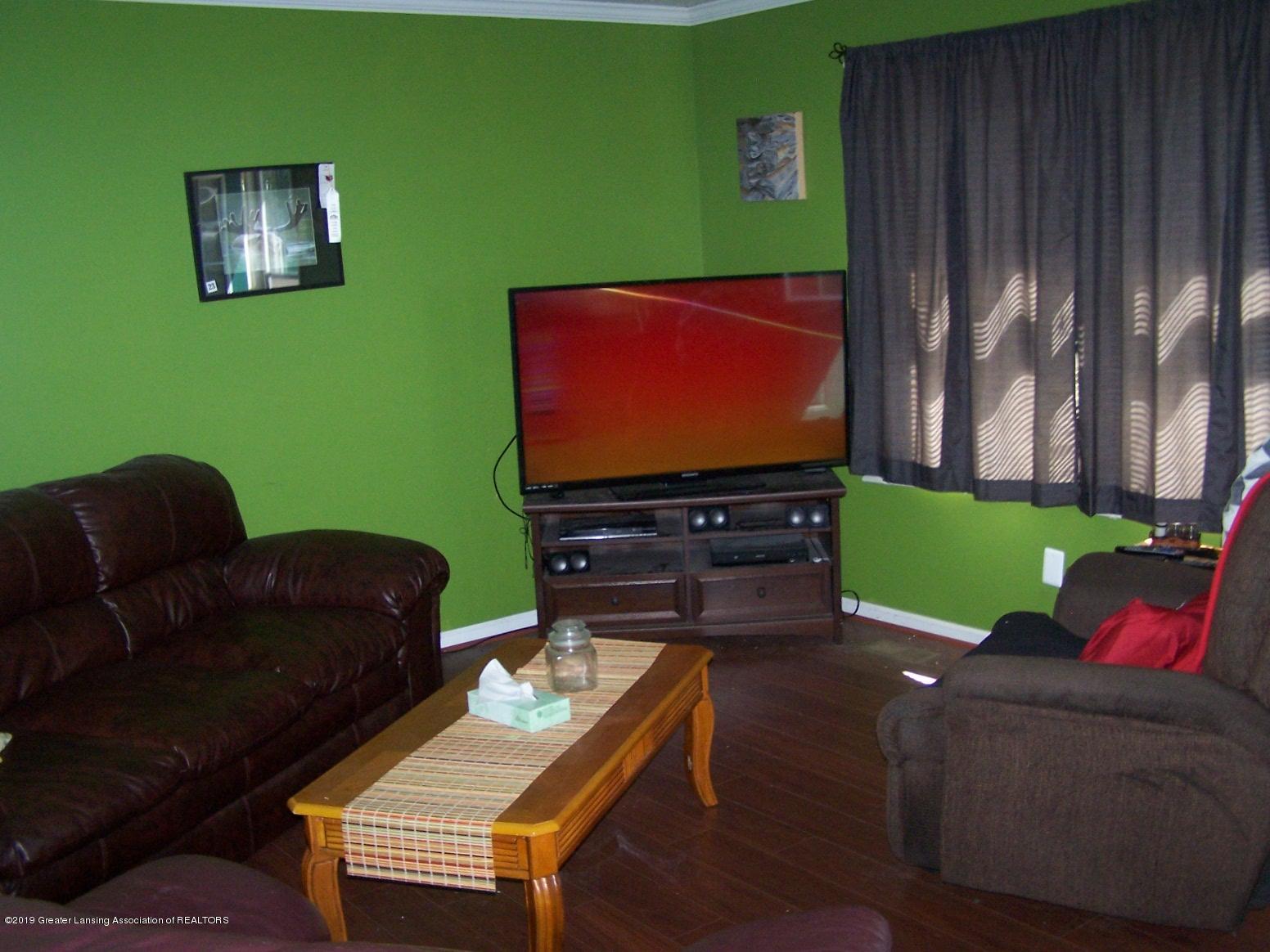 616 Vaughn - Living Room - 5