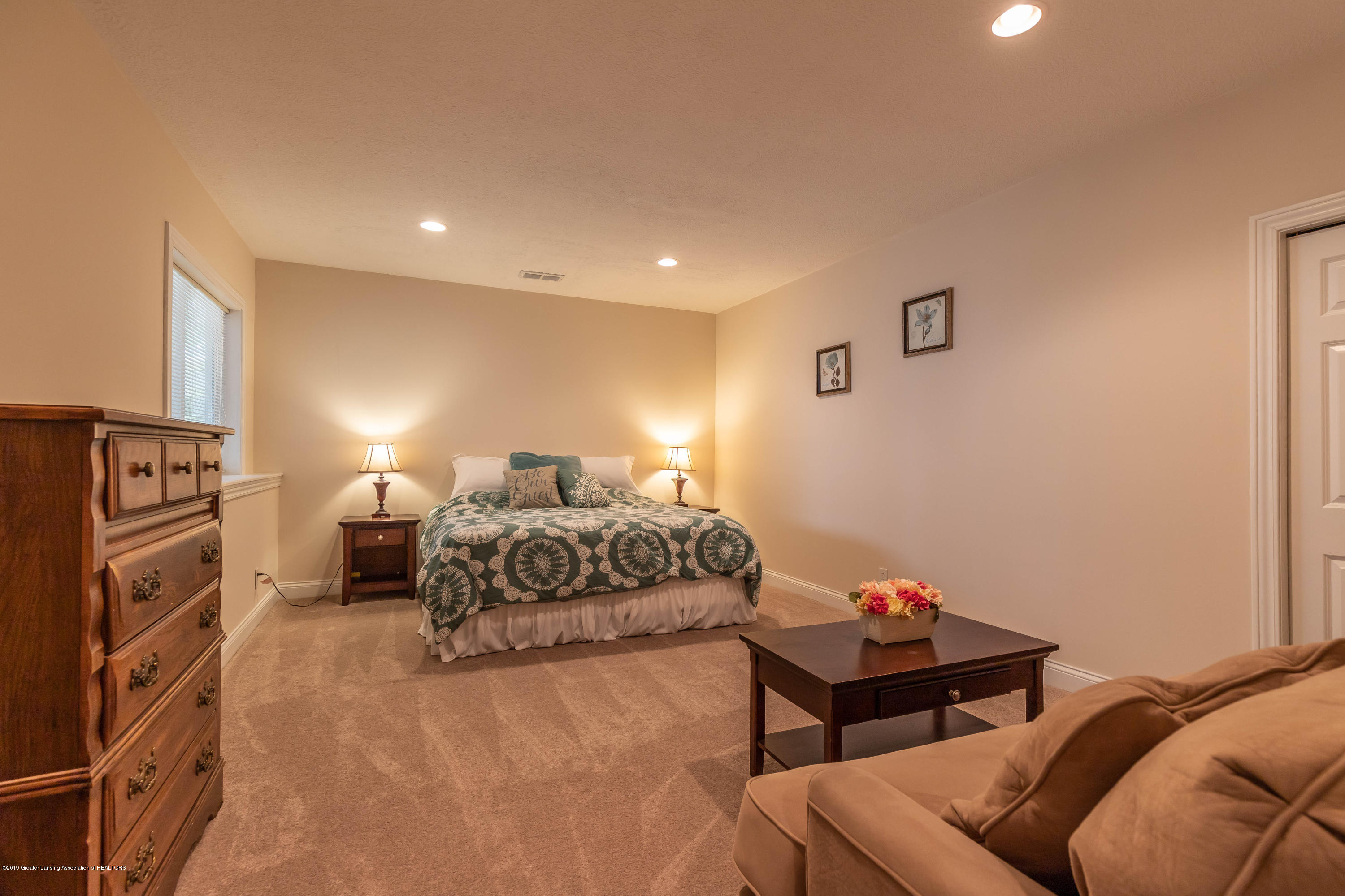 12780 Paradise Dr - Bedroom - 42