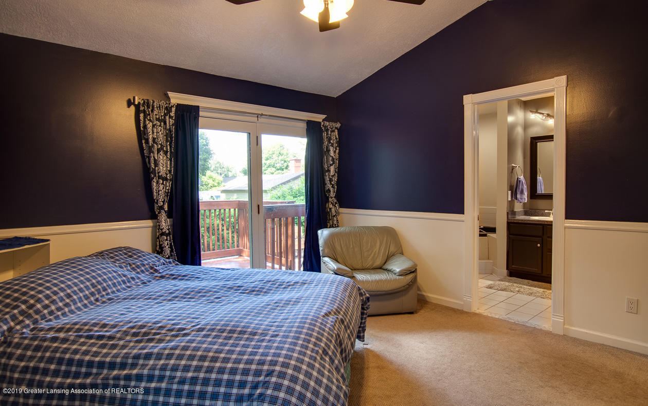 1725 Mt Vernon Ave - Master bedroom - 13