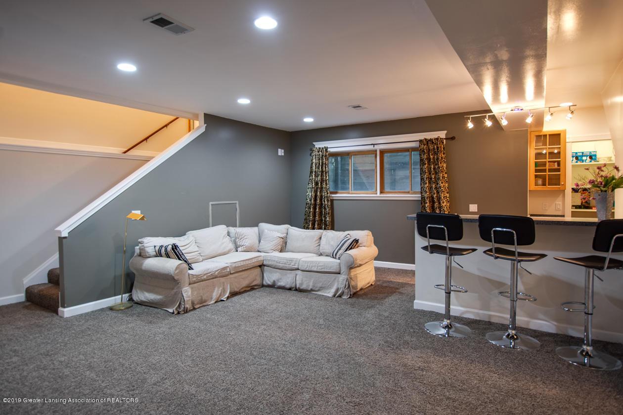 1725 Mt Vernon Ave - Family room lower level - 18